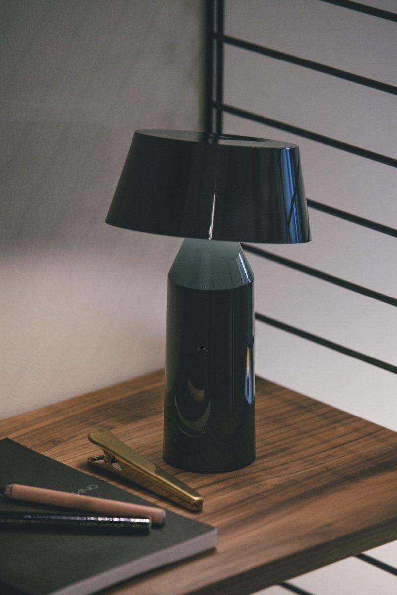 lampe poser sans fil bicoca marset melville design. Black Bedroom Furniture Sets. Home Design Ideas
